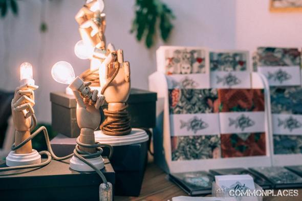 lampade mano.jpg